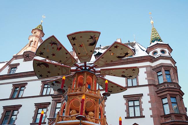 Nikolaikirchhof Weihnachten Leipzig. Foto © sinuswelle - Fotolia